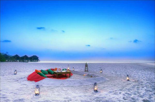 pique nique à la plage... beaucoup plus d'idée ambiance pique nique sur le lien, à découvrir !
