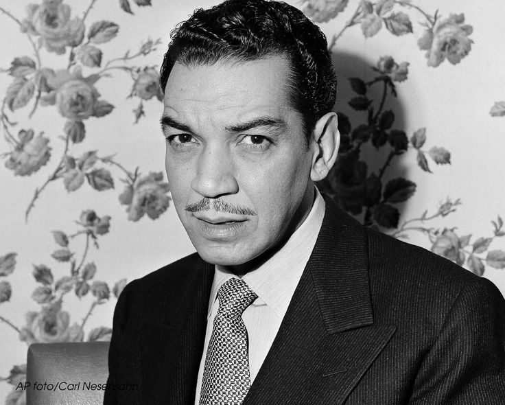 Mario Moreno Cantinflas Biography Pictures to Pin on ...