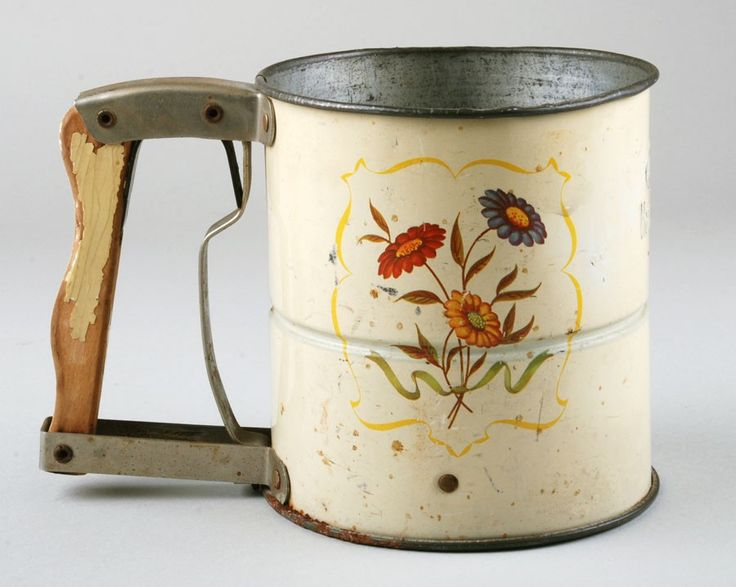 """flower flour sifter - saw a similar one at a """"Glass"""" show a few weeks ago...should've bought it...so sweet!"""