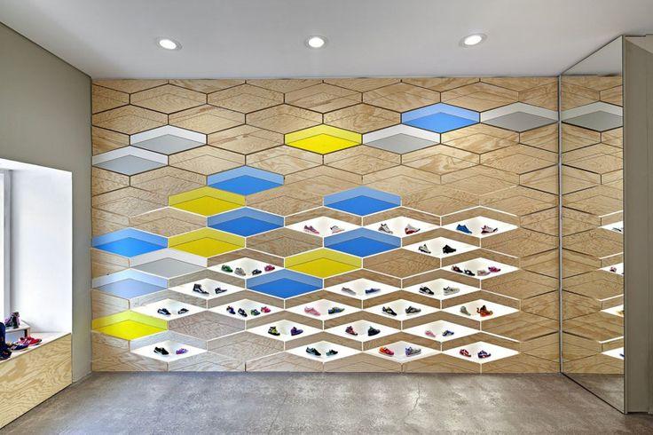 Interactive Wall Design atSuppakidsSneaker Boutique in Stuttgart