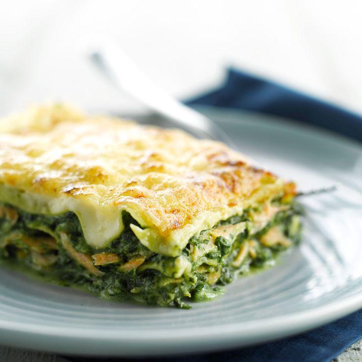 Découvrez la recette Lasagnes au saumon et aux épinards sur cuisineactuelle.fr.
