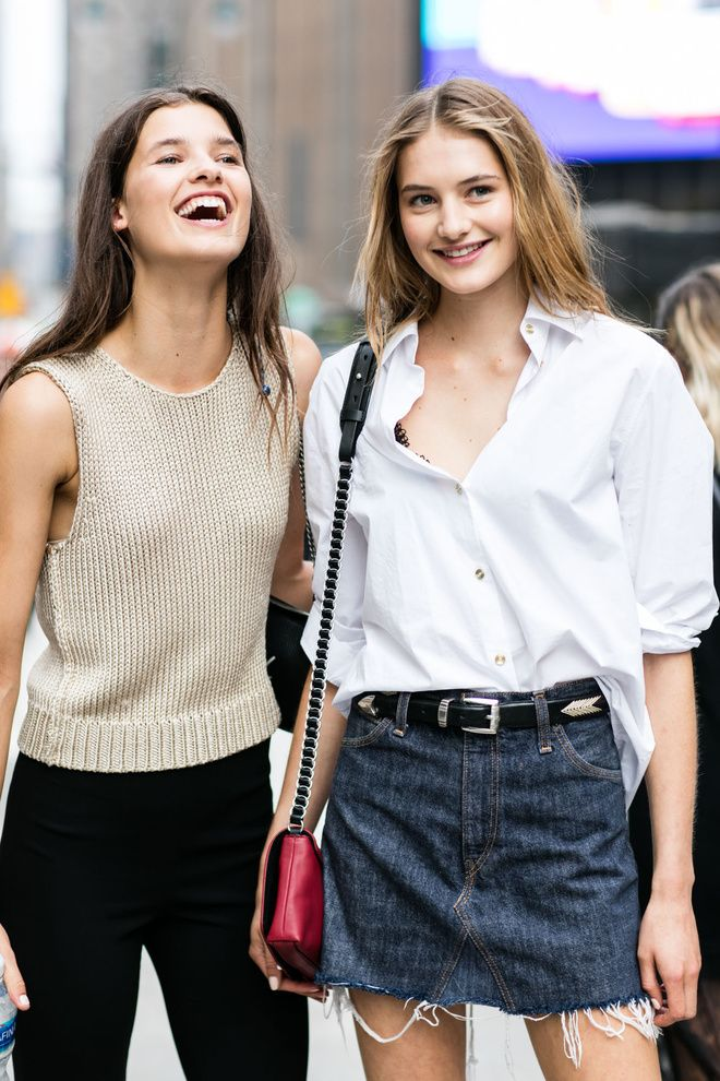 Street style à la Fashion Week printemps-été 2017 de New York model off duty