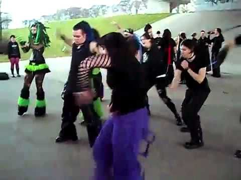 25 Videos Of Goths Dancing Outside During The Daytime