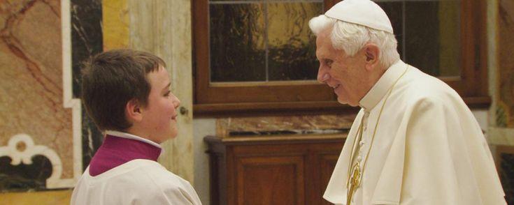 Matthias Schweighöfer macht einen Film über Papst Benedikt XVI. | Kino News