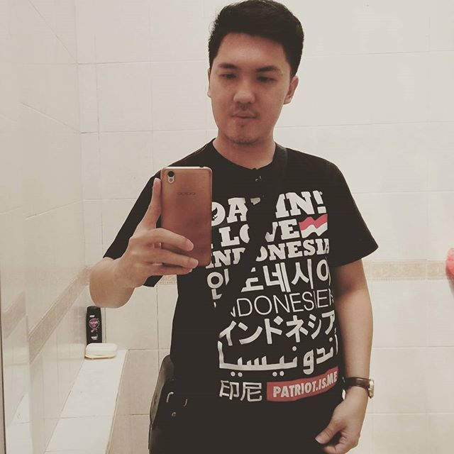 Me #takeselfi #takepicture #damniloveindonesia #damn #i #love #indonesia #oppo #oppoa37 #paloalto #instagram #montereylocals #pacificgrovelocals- posted by Aimer Grt(Fshion-Ksmtk-Patung) https://www.instagram.com/aimerbutik. See more of Pacific Grove, CA at http://pacificgrovelocals.com