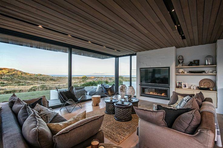 Gazco Studio 3 gas fire featured in Julian Guthrie Architects Tuatua House.