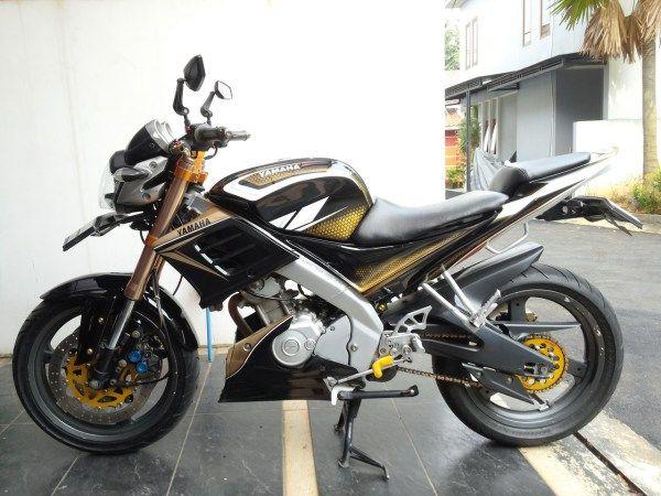 Modifikasi motor Yamaha Vixion lama tahun 2009 dengan sparepart premium