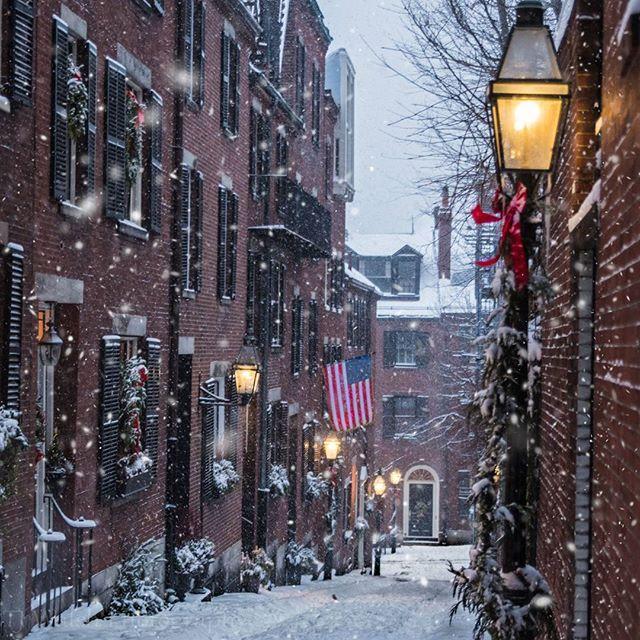 Acorn street during heavy snowfall from Winter Storm Helena.