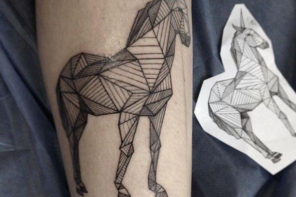 tatouages par sasha masiuk les formes g om triques saint p tersbourg et illustration graphique. Black Bedroom Furniture Sets. Home Design Ideas