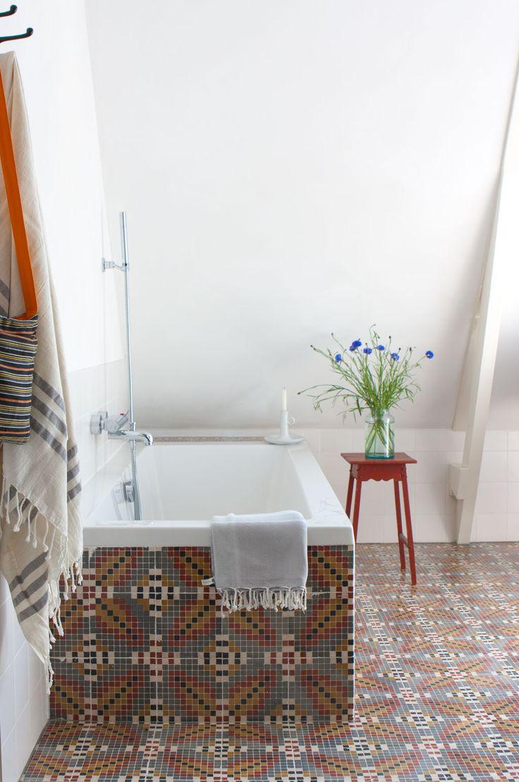 Former woodshop in Friesland | Styling: Sjoukje de Vries Fotografie: Anna de Leeuw | vtwonen mei 2014 #vtwonen #magazine #interior #bathroom #tiles