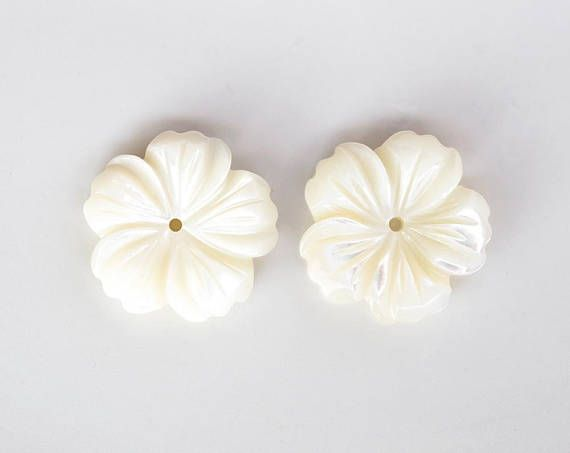 2865 Mother of pearl flower beads 19 mm Ivory shell flowers