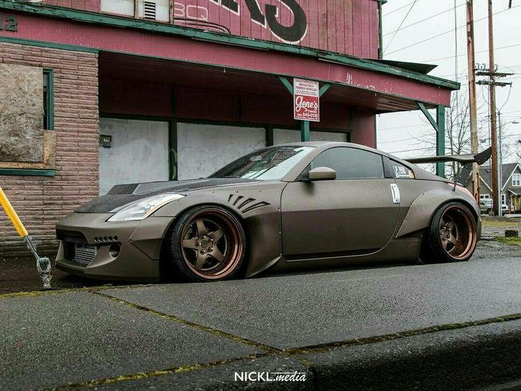 #Nissan_350z #WideBody_Flares #Modified #Slammed #Stance