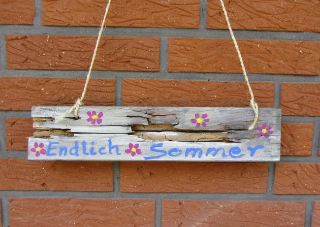 """Schild """"Endlich Sommer"""". Entdecken auf: www.palundu.com/ #palundu #handmade #handgemacht #wood #holz #sommer #schild #dekoration #landhausstil"""