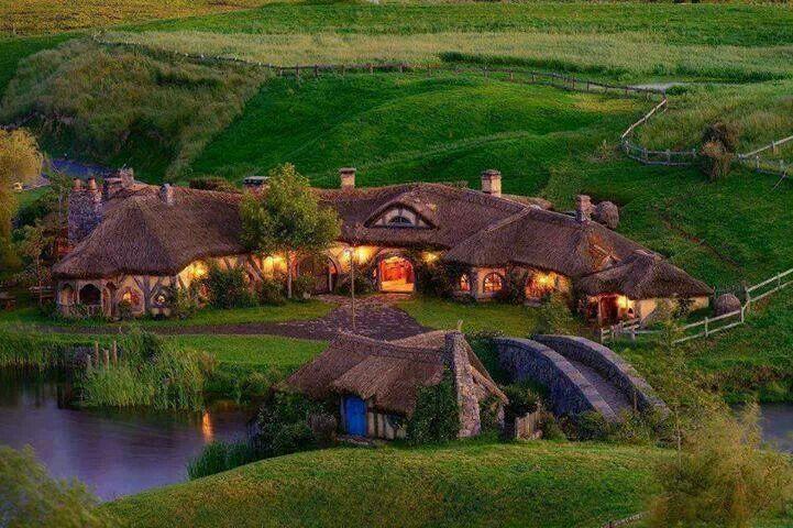The Green Dragon Inn [(Hobbiton) Matamata, New Zealand]