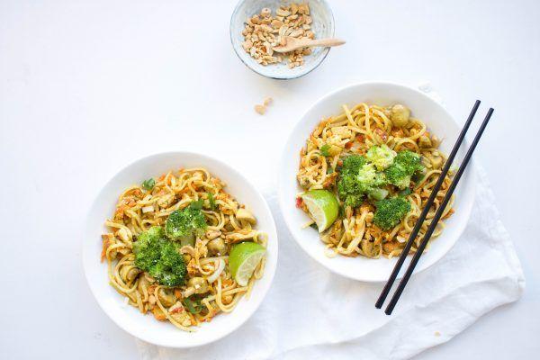 Chantal van Feelgoodbyfood had zin in curry en noedels en dat resulteerde in dit recept. Het recept voor deze Aziatische vegetarische creatie vind je hier!
