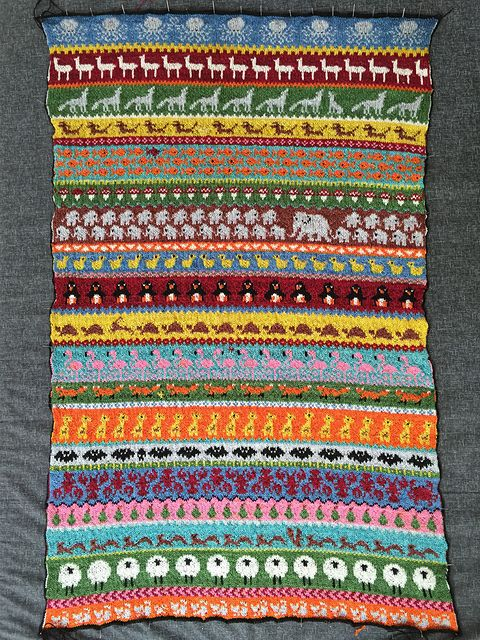 Ravelry: -Lau-'s 'My Favourite Things' Infinity Blanket