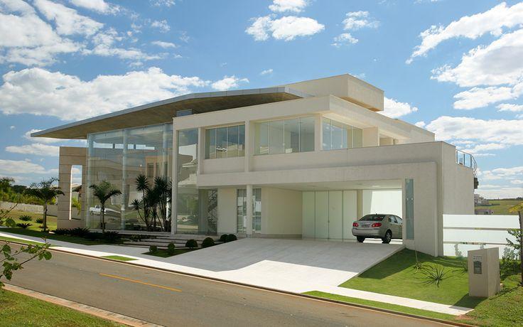Portas de entradas de casas modernas com p direito alto for Fachadas de entradas de casas