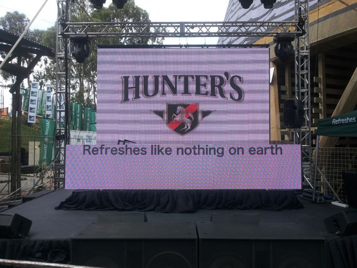 LED daylight screens in a split configuration at the  MTV Base, Hunters Oasis event in Johannesburg