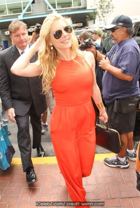 Katheryn Winnick omic-Con International: San Diego 2014 http://www.icelebz.com/events/comic-con_international_san_diego_2014_celebrity_sightings/photo9.html