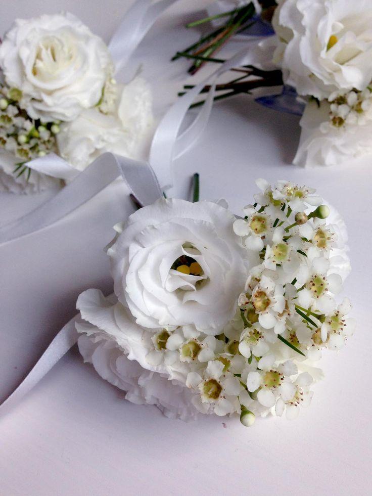 przypinki   |   dekoracja samochodu   |   kwiaty minwedding