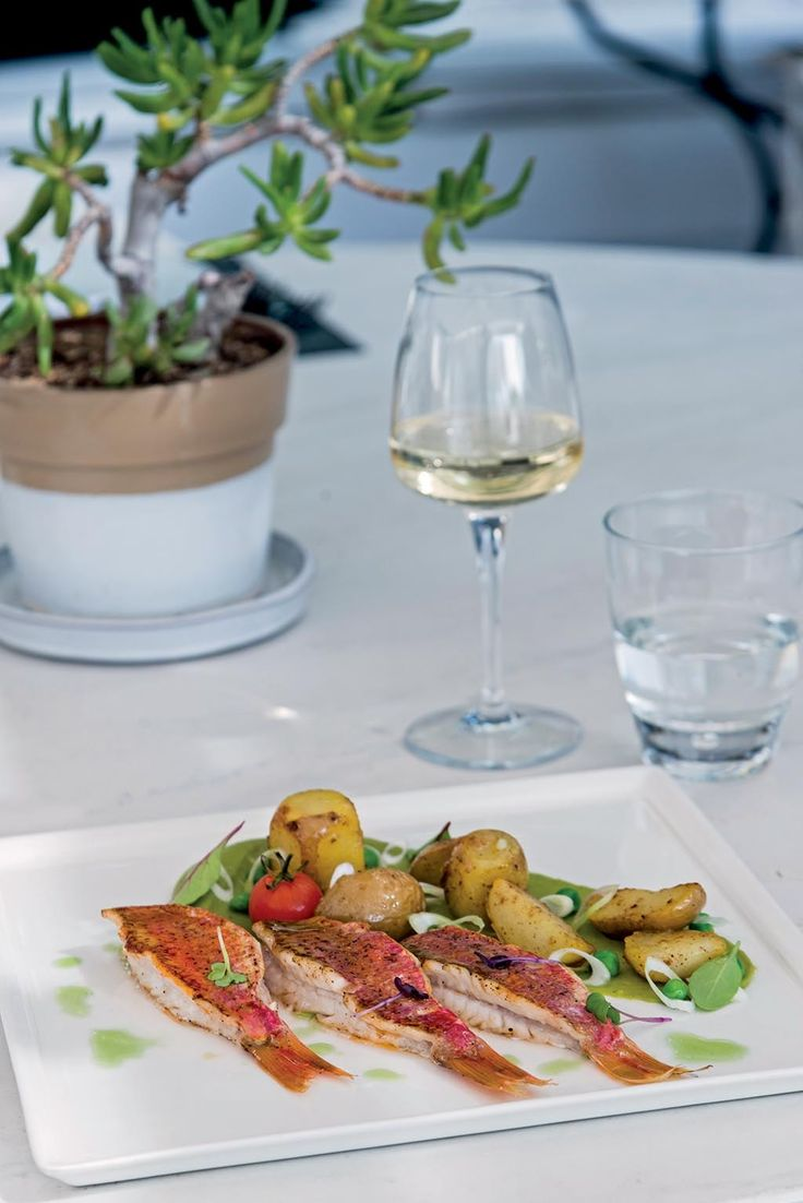 Freshly caught fish, local vegetables and an amazing selection of wines at the Thioni restaurant of the Semeli hotel. A joy of the senses. http://www.semelihotel.gr/thioni-restaurant-mykonos/  #Semeli #SemeliHotel #Mykonos