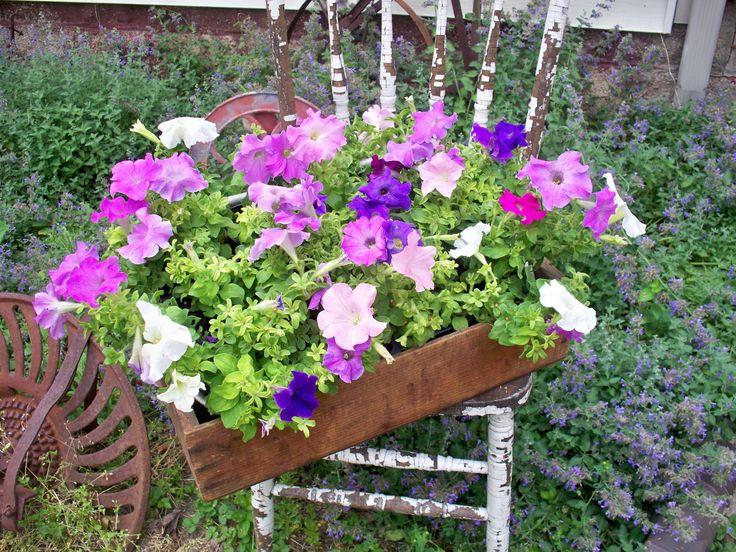 155 best images about primitive flower bed on Pinterest ...