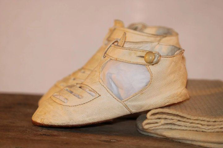 9edfbdb34544d Vintage Leather Doll Shoes Large Doll 4 5/8 Soft Creme Button Free ...