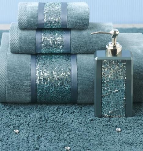 Add some BLING to your bathroom decor! #AnnasLinens #BathroomDecor