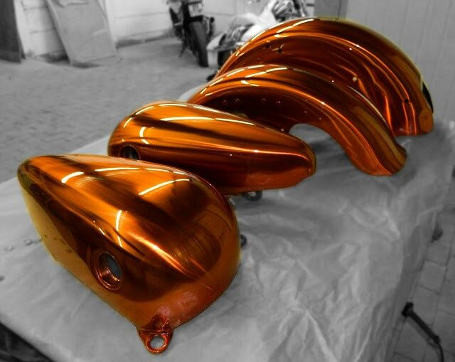 #galaxycustoms did this #customsprayjob on a #harleydavidson with #rawmetalfinish Base and #candyapplepaint burnt orange over