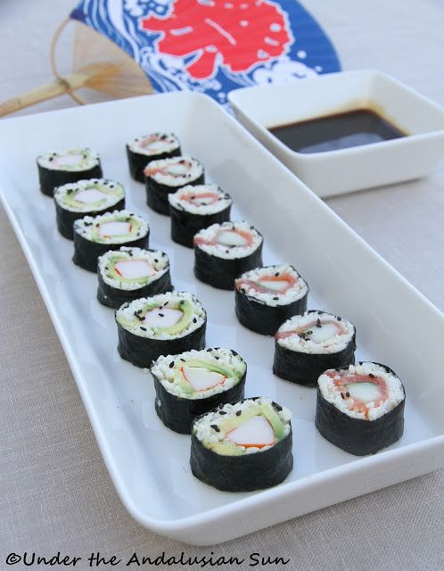 Cauliflower sushi, or as we like to call it: miracle sushi (seeing how it's gluten- AND carb-free!)