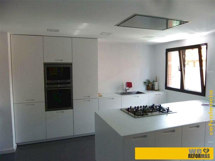 vista general de gran cocina aprox 30 m2 realizada en
