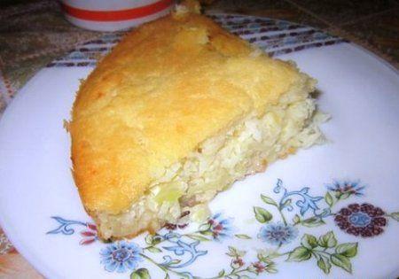 Капустный пирог на кефире - Это традиционное блюдо славянской кухни. Кушанье готовится из молодой, свежей капусты или квашенной, которую заготовили на зиму.