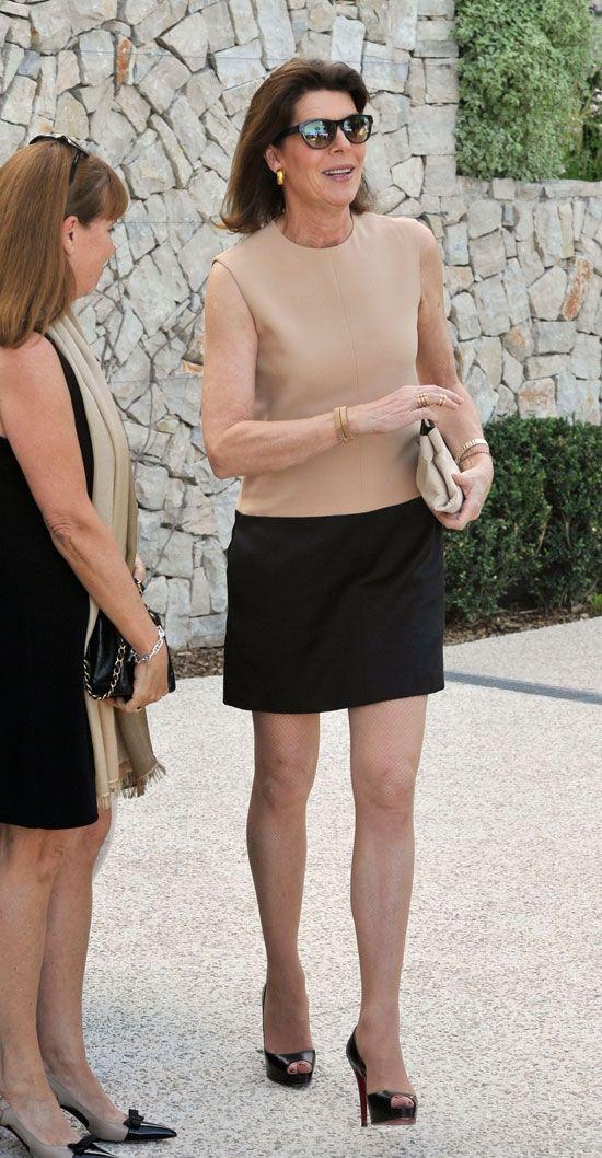 Carolina de Mónaco, luciendo piernas a los 56 años