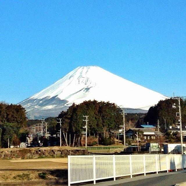 3/11/2014, 7:02am, -2℃/28℉. Mt.Fuji in Shizuoka Japan.  静岡県裾野市からの富士山。