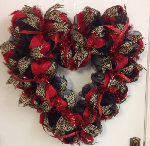 Large Indoor/Outdoor Valentine's Day Deco Mesh Heart Wreath(LOWER RESERVE)