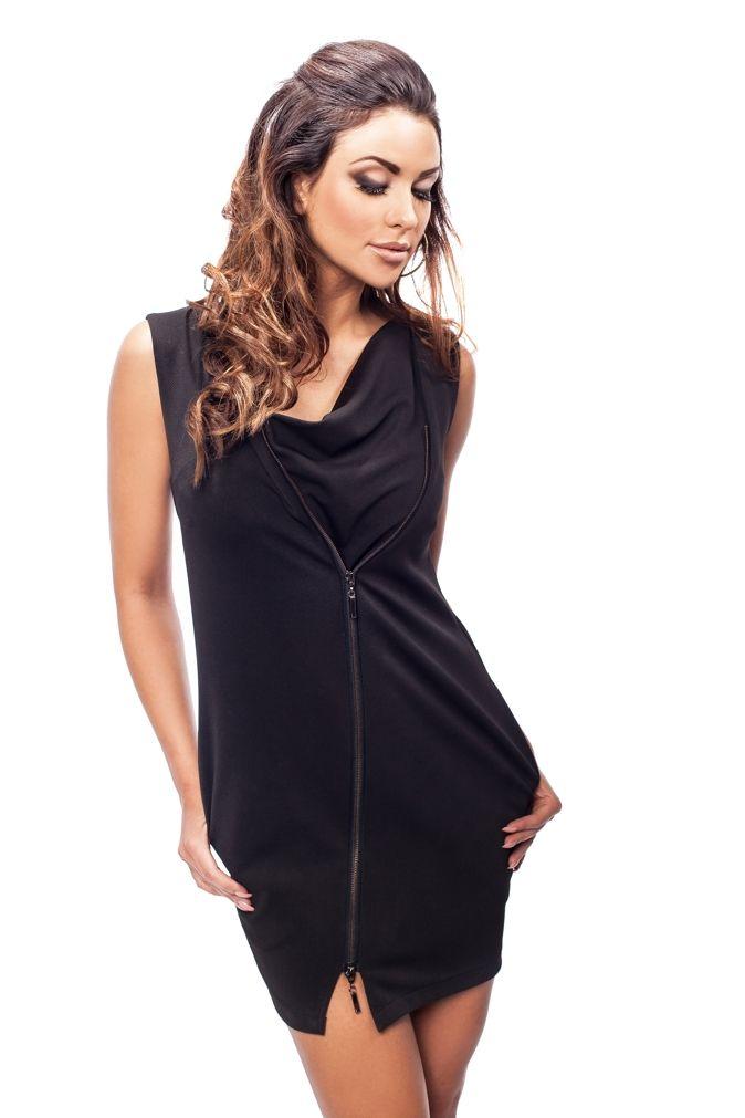 Czarna sukienka z asymetrycznym przodem