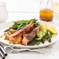 Regal Salmon Fresh Cuts Salmon Loins with Peri Peri Seasoning and Asparagus