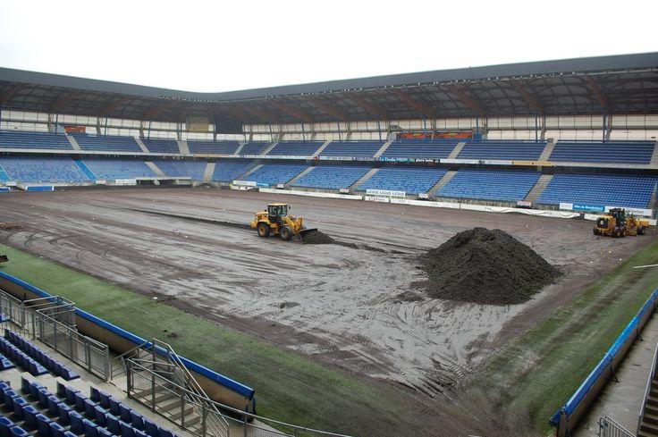 🚧 La réfection de la pelouse du Stade #Bonal a débuté ce jeudi.    ► http://www.fcsochaux.fr/fr/index.php/article/9586 …