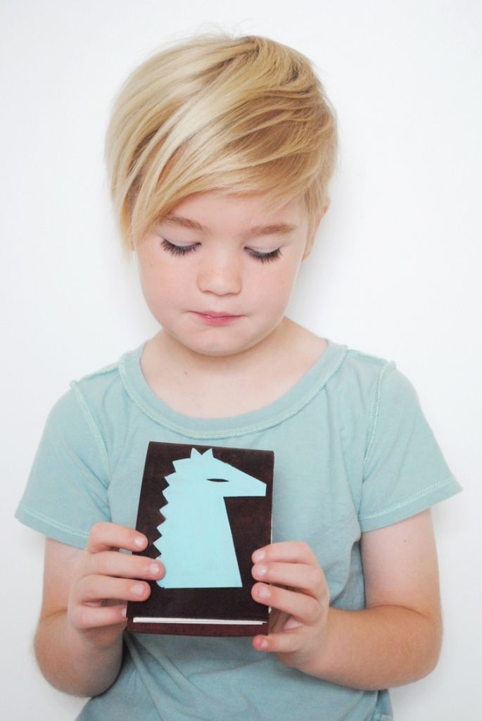 Pixie cut con ciuffo per bambine