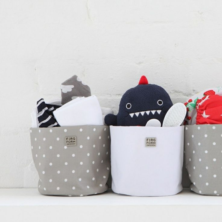 Super little storage solutions #FargForm round hanging storage (loads more colours/patterns available online) with #Noodoll #Dinosaur #SoftToy #ThisModernLife
