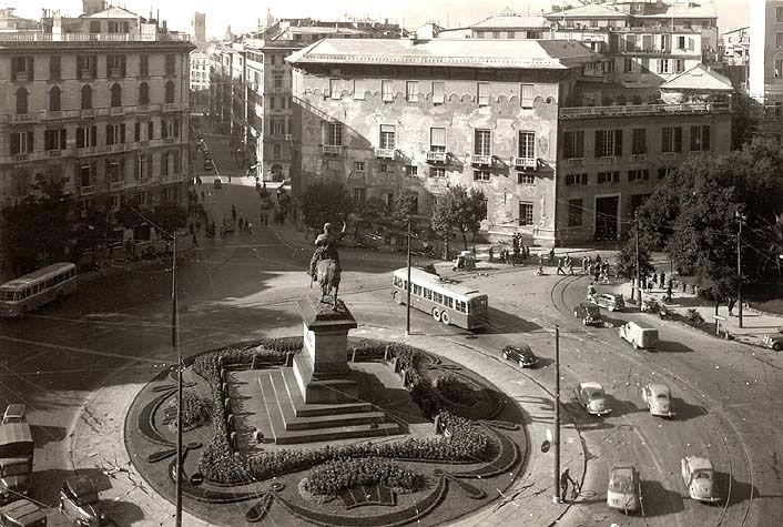 GENOVA - Piazza Corvetto - FOTO STORICHE CARTOLINE ANTICHE E RICORDI DELLA LIGURIA