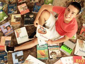 O adolescente estudou doze horas por dia na reta final - DIVALDO MOREIRA/COMERCIO DA FRANCA
