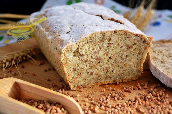 z cukrem pudrem: chleb żytni z kaszą gryczaną