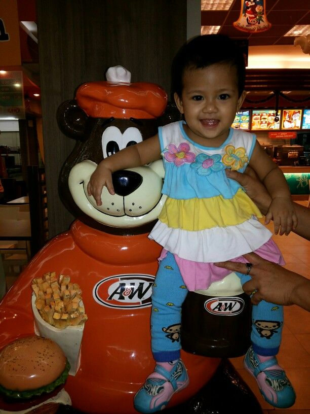 Yey... her first restaurant, she loves the ice cream on the waffle