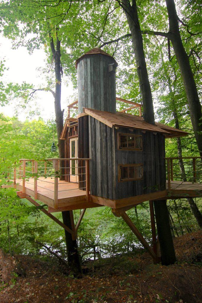Baumhäuser: Über den Gärten | Baumhaus, Coole baumhäuser ...