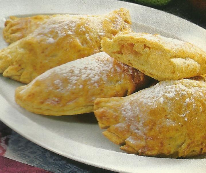 Pastéis de Maçã - https://www.receitassimples.pt/pasteis-de-maca/