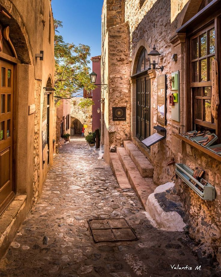 Monemvasia!!! . . . .#kings_villages #map_of_europe #hello_worldpics#igworldclub #besteuropephotos#vacations #travelchannel#travelawesome #travelandleisure #travellingthroughtheworld #best_worldplaces#natgeotravel #natgeolandscape#living_europe #vip_world_photo#cnntravel #bbc_travel #world_besthdr #discoverglobe#earthofficial #wu_greece#greecelover_gr #balkan_hdr #allstreetshots #great_street_photos #reasonstovisitgreece #ok_streets #streets_in_greece #streets_and_transports #instag...