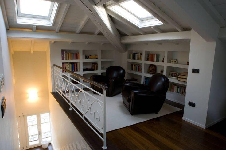 Come creare una sala di lettura nella mansarda