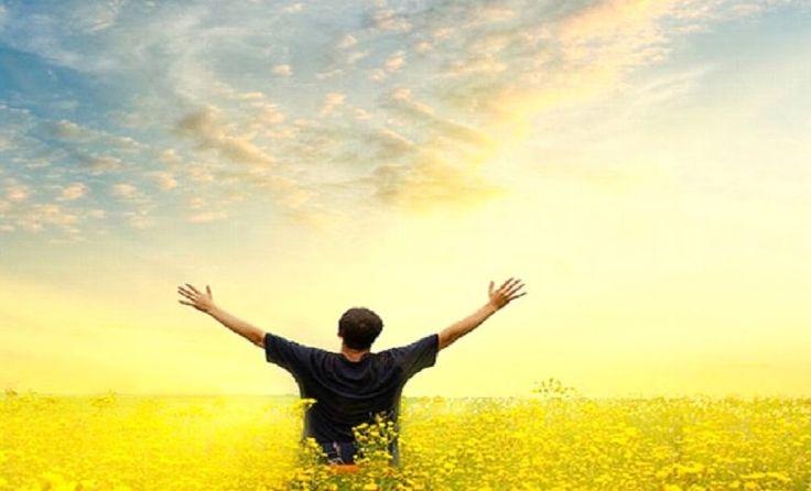 A Musica Gospel, nos leva á levantar os braço ao Céu para clamar ao Senho Nosso e Adora-lo pelo que Ele É.