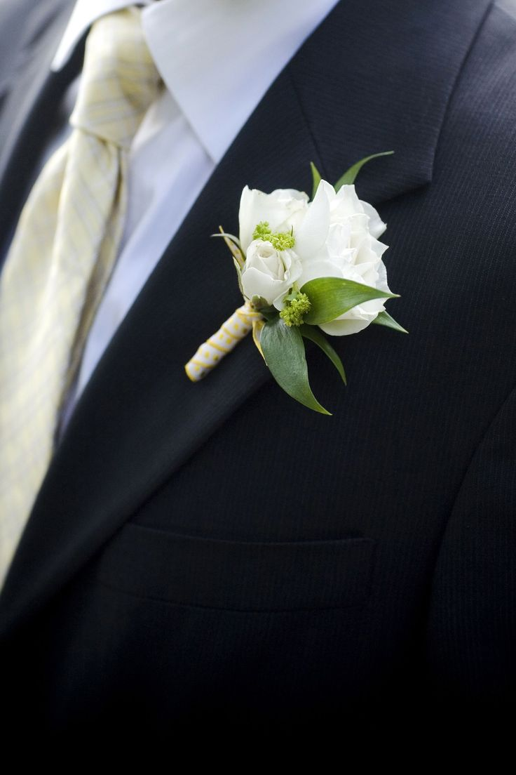 48 best Rose Boutonniere images on Pinterest | Wedding ...White Spray Rose Boutonniere